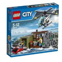 Пластмассовый конструктор LEGO City Остров воришек (60131)