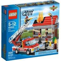 Пластмассовый конструктор LEGO City Тушение пожара (60003)